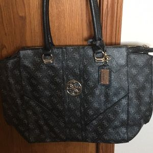 Authentic Guess purse for Sale